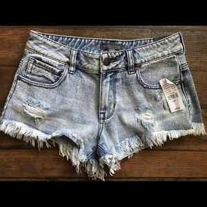 Kendall + Kylie ripped jean shorts size 1